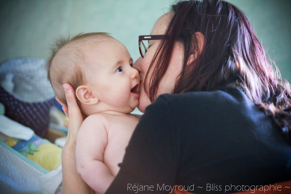 photographe maternité maman bébé nourrisson Montpellier gard Herault Lunel Nimes grossesse maman enfant accouchement naturel Réjane Moyroud Bliss photographie-10