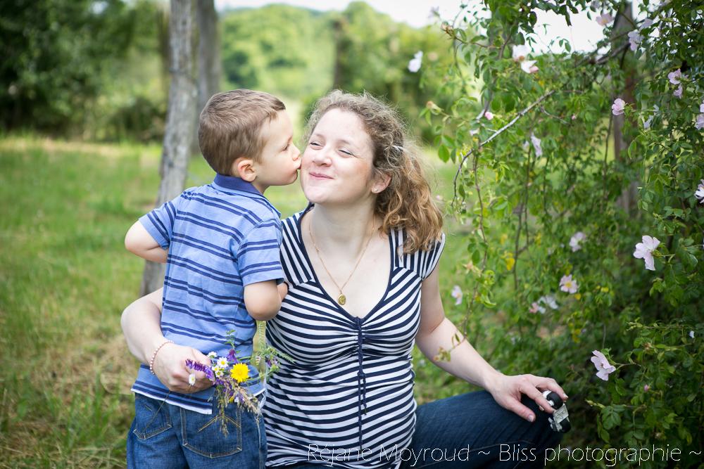 photographe maternité maman bébé nourrisson Montpellier gard Herault Lunel Nimes grossesse maman enfant accouchement naturel Réjane Moyroud Bliss photographie-100