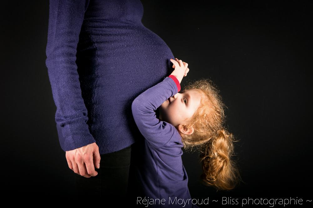 photographe maternité maman bébé nourrisson Montpellier gard Herault Lunel Nimes grossesse maman enfant accouchement naturel Réjane Moyroud Bliss photographie-111