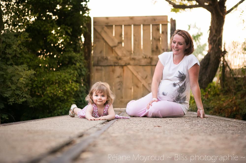 photographe maternité maman bébé nourrisson Montpellier gard Herault Lunel Nimes grossesse maman enfant accouchement naturel Réjane Moyroud Bliss photographie-113