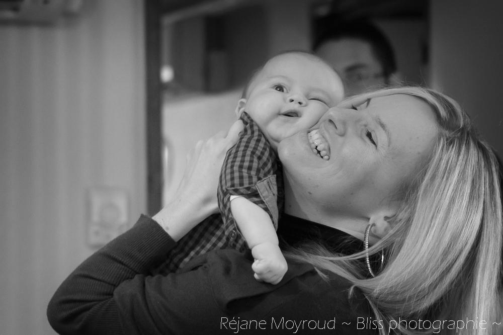 photographe maternité maman bébé nourrisson Montpellier gard Herault Lunel Nimes grossesse maman enfant accouchement naturel Réjane Moyroud Bliss photographie-12