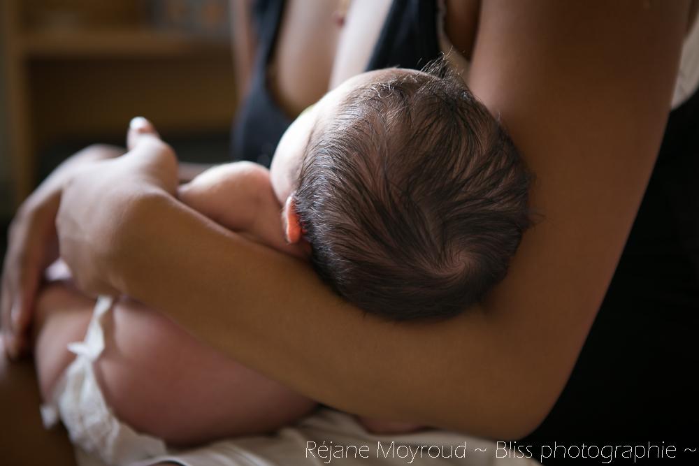 photographe maternité maman bébé nourrisson Montpellier gard Herault Lunel Nimes grossesse maman enfant accouchement naturel Réjane Moyroud Bliss photographie-134