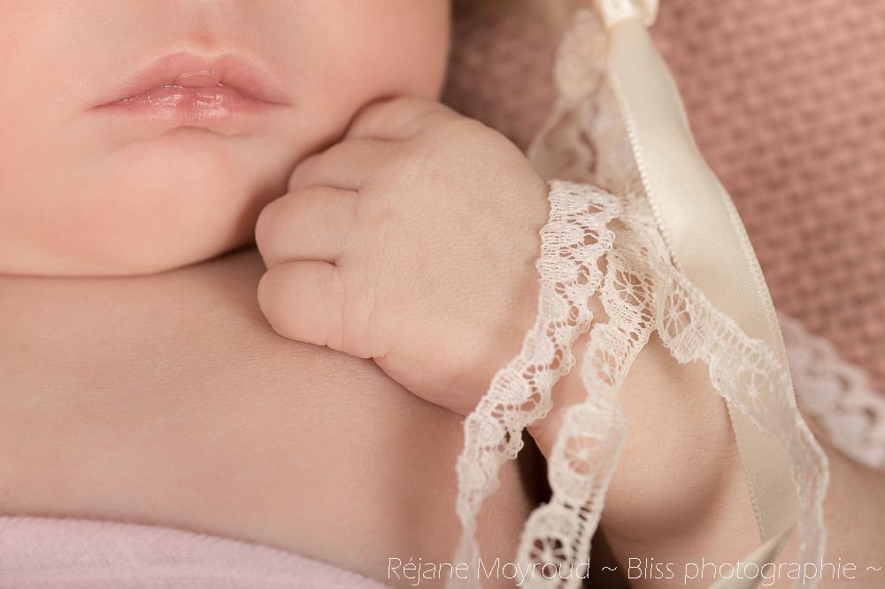 photographe maternité maman bébé nourrisson Montpellier gard Herault Lunel Nimes grossesse maman enfant accouchement naturel Réjane Moyroud Bliss photographie-139