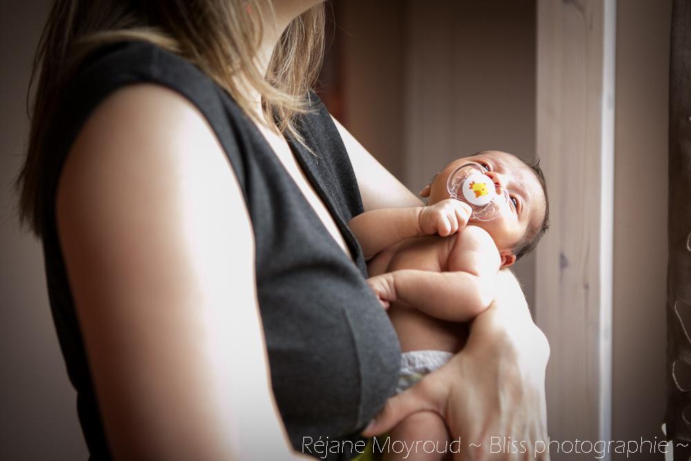 photographe maternité maman bébé nourrisson Montpellier gard Herault Lunel Nimes grossesse maman enfant accouchement naturel Réjane Moyroud Bliss photographie-152