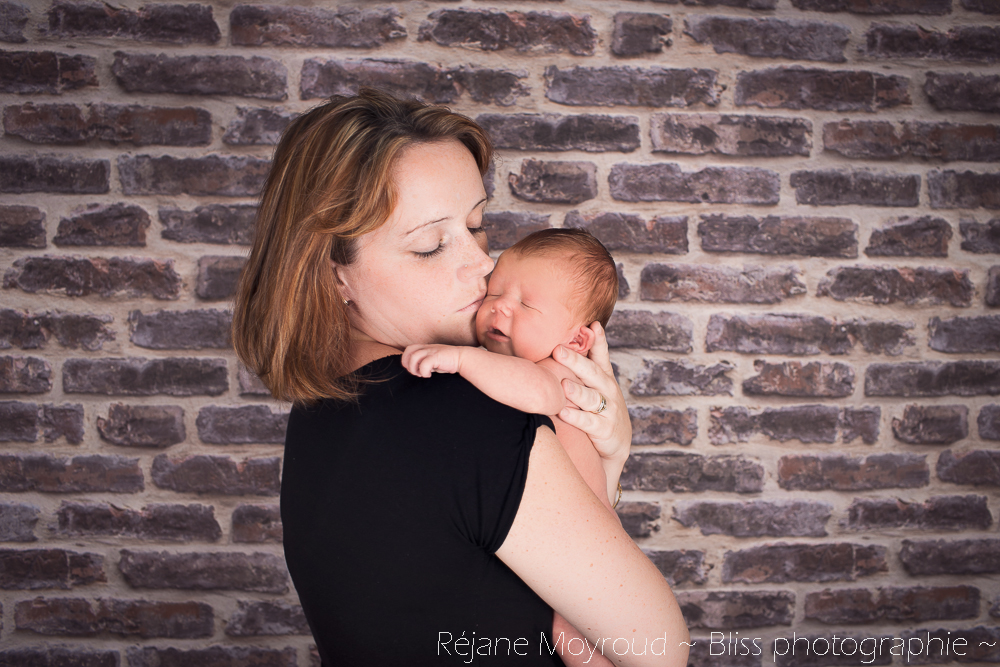 photographe maternité maman bébé nourrisson Montpellier gard Herault Lunel Nimes grossesse maman enfant accouchement naturel Réjane Moyroud Bliss photographie-158