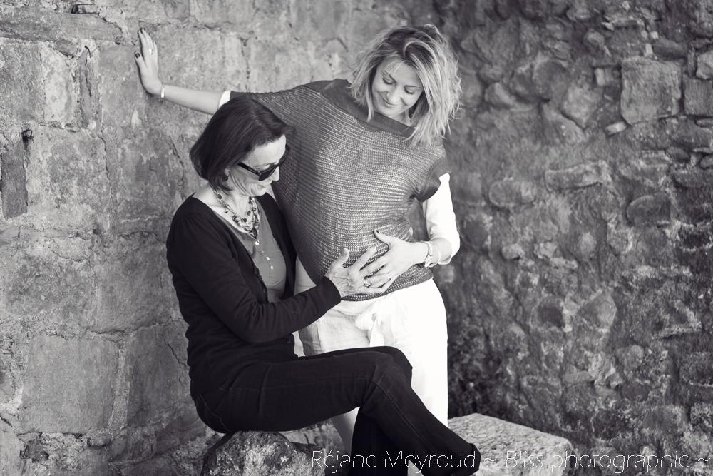 photographe maternité maman bébé nourrisson Montpellier gard Herault Lunel Nimes grossesse maman enfant accouchement naturel Réjane Moyroud Bliss photographie-16