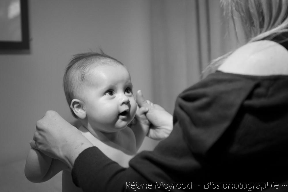 photographe maternité maman bébé nourrisson Montpellier gard Herault Lunel Nimes grossesse maman enfant accouchement naturel Réjane Moyroud Bliss photographie-18