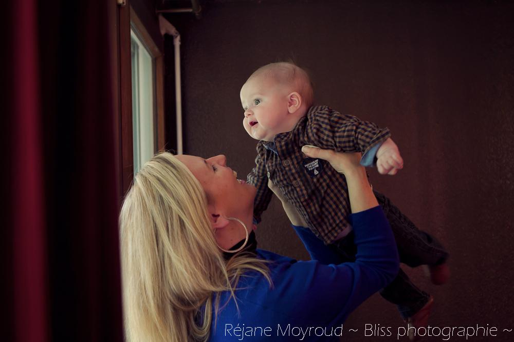 photographe maternité maman bébé nourrisson Montpellier gard Herault Lunel Nimes grossesse maman enfant accouchement naturel Réjane Moyroud Bliss photographie-4