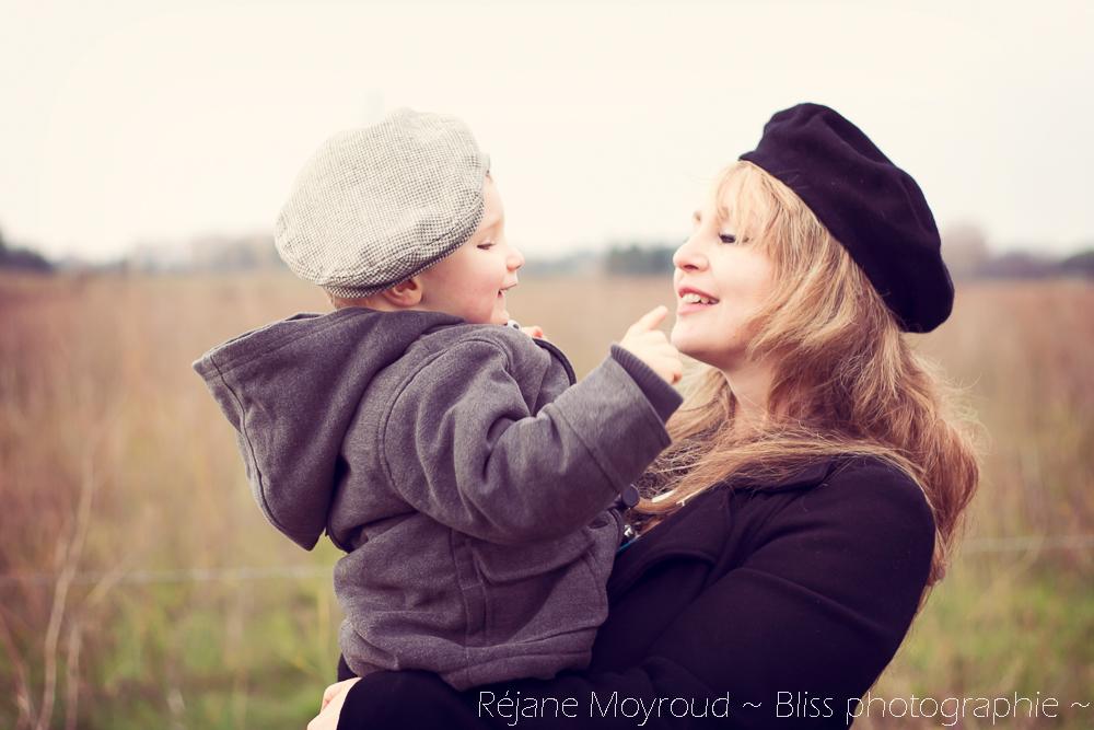 photographe maternité maman bébé nourrisson Montpellier gard Herault Lunel Nimes grossesse maman enfant accouchement naturel Réjane Moyroud Bliss photographie-70