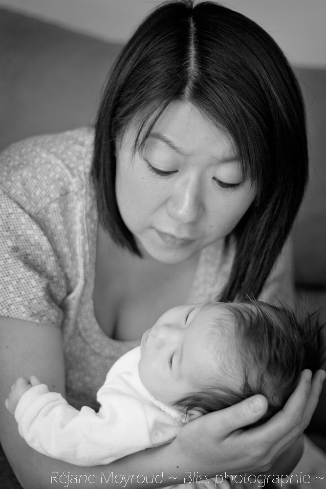 photographe maternité maman bébé nourrisson Montpellier gard Herault Lunel Nimes grossesse maman enfant accouchement naturel Réjane Moyroud Bliss photographie-76