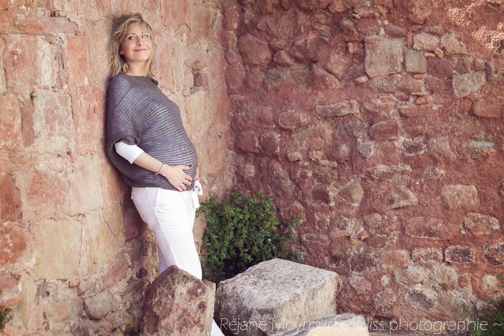 photographe maternité maman bébé nourrisson Montpellier gard Herault Lunel Nimes grossesse maman enfant accouchement naturel Réjane Moyroud Bliss photographie-8
