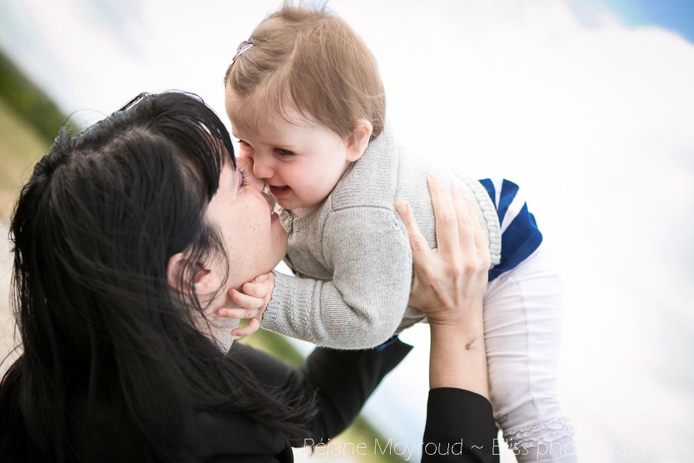 photographe maternité maman bébé nourrisson Montpellier gard Herault Lunel Nimes grossesse maman enfant accouchement naturel Réjane Moyroud Bliss photographie-87