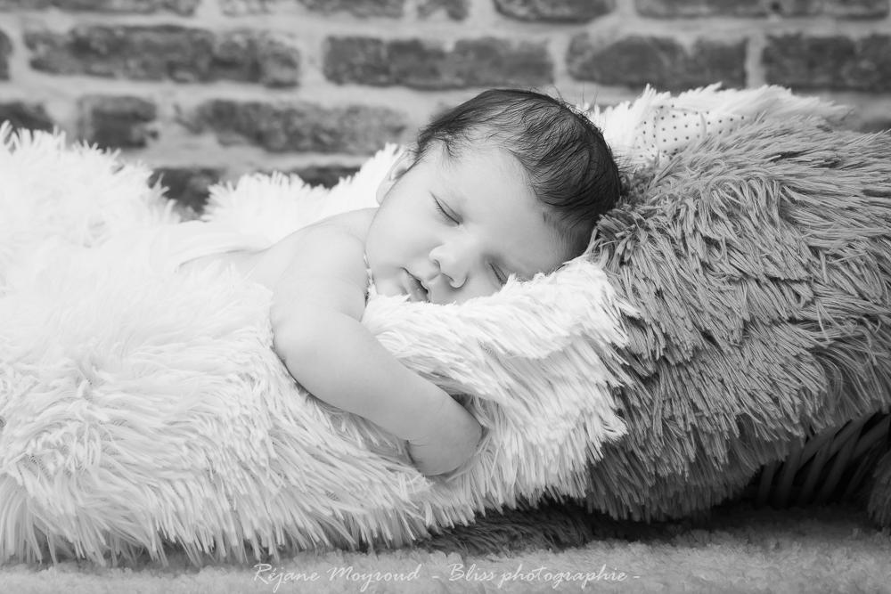 Dario - photographe nouveau né bébé nourrisson maternité Montpellier nimes lunel castries_-33
