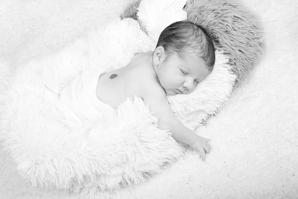 Dario - photographe nouveau né bébé nourrisson maternité Montpellier nimes lunel castries_-39