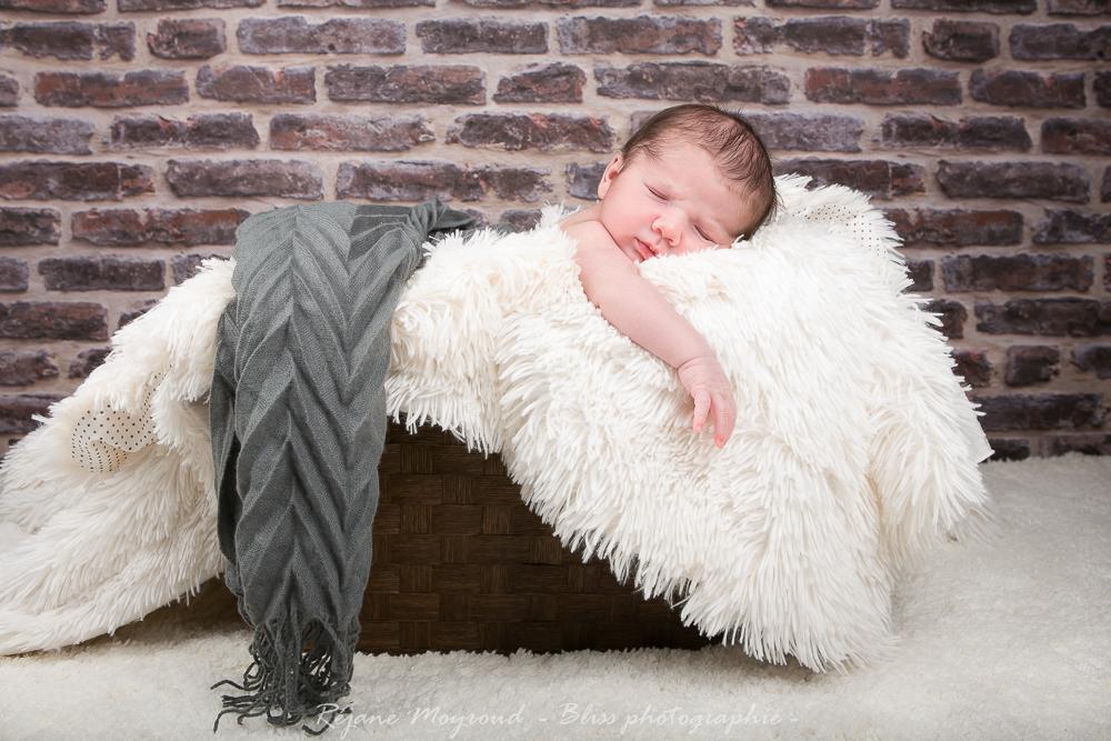 Dario - photographe nouveau né bébé nourrisson maternité Montpellier nimes lunel castries_-59