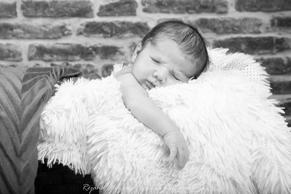 Dario - photographe nouveau né bébé nourrisson maternité Montpellier nimes lunel castries_-62