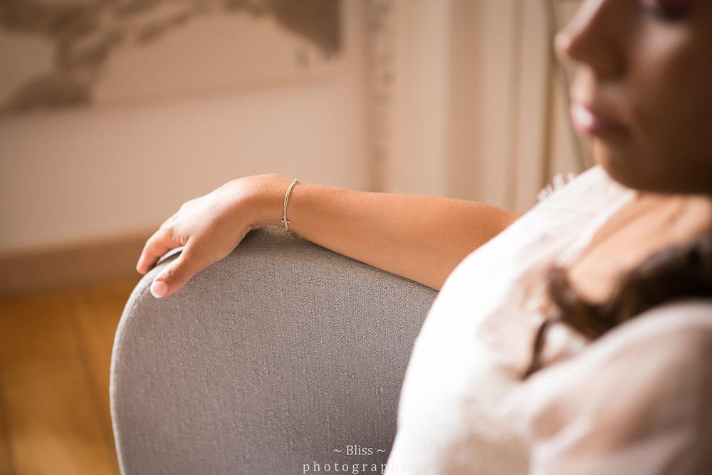 photographe mariage montpellier nimes uzes bezier couple Domaine de Verchant Bliss Réjane Herault Déco exterieur chaussures-2