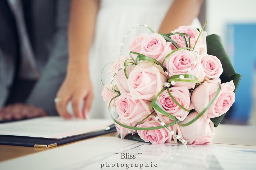 photographe mariage montpellier nimes uzes bezier couple Domaine de Verchant Bliss Réjane Herault Déco exterieur chaussures-3