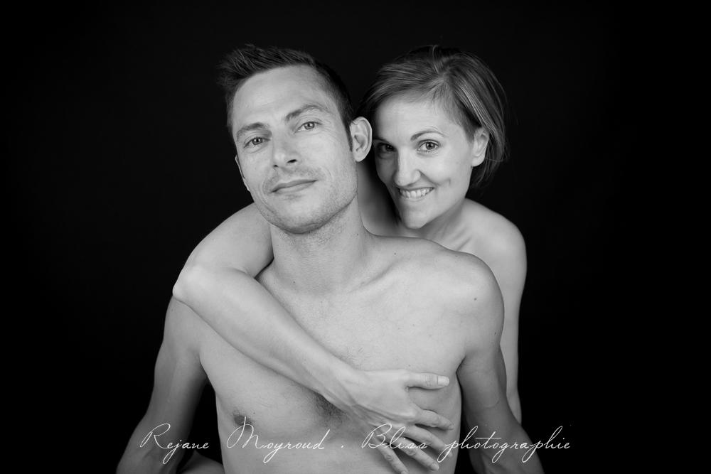 photographe-Montpellier-couple-mariage-studio-Lansargues-amour-noir-blanc-naturelle-Hérault-Gard-boudoir-14