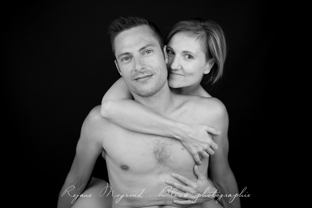 photographe-Montpellier-couple-mariage-studio-Lansargues-amour-noir-blanc-naturelle-Hérault-Gard-boudoir-15