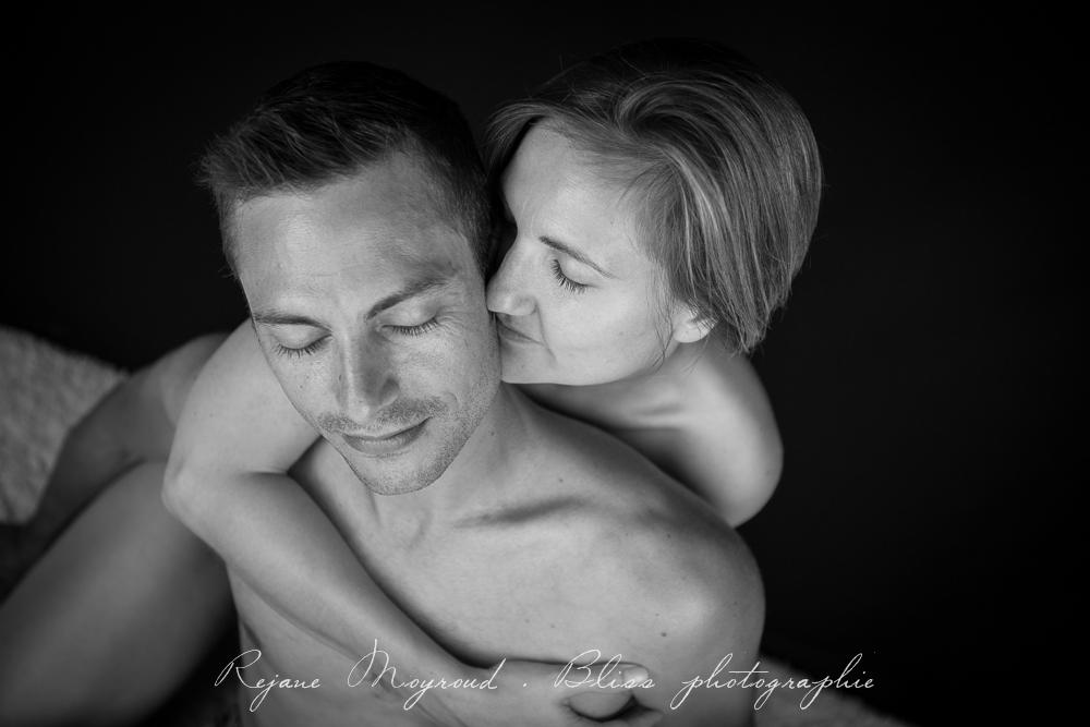 photographe-Montpellier-couple-mariage-studio-Lansargues-amour-noir-blanc-naturelle-Hérault-Gard-boudoir-3