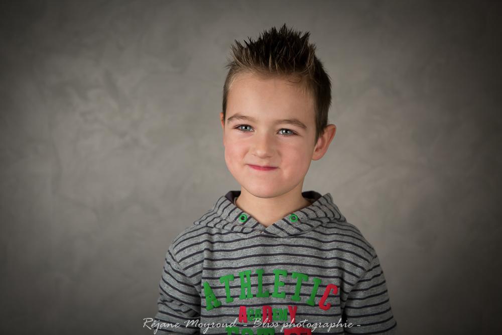 studio Montpellier-photographe-Bliss-photographie-Enfant-portrait-noir et blanc-couleur-Lansargues-Hérault- Nimes Gard-32