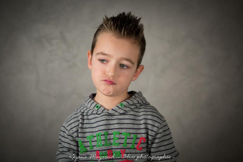 studio Montpellier-photographe-Bliss-photographie-Enfant-portrait-noir et blanc-couleur-Lansargues-Hérault- Nimes Gard-37