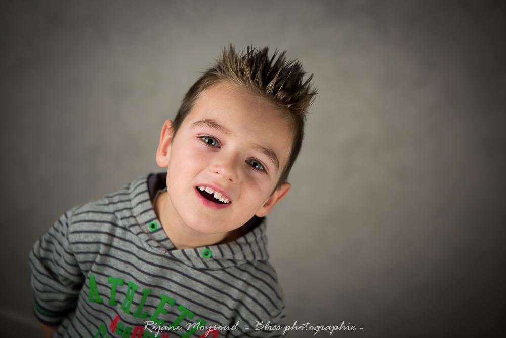 studio Montpellier-photographe-Bliss-photographie-Enfant-portrait-noir et blanc-couleur-Lansargues-Hérault- Nimes Gard-56