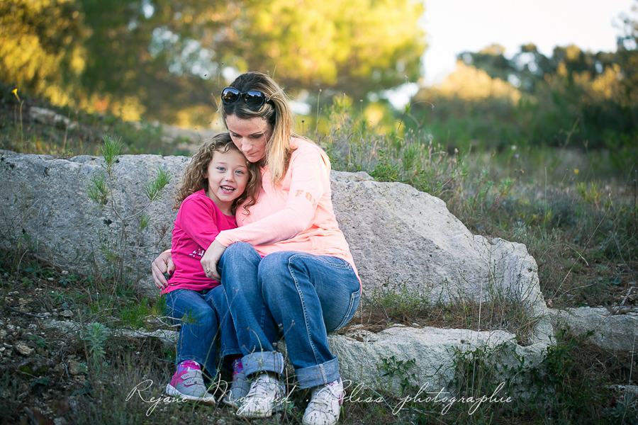 Bliss photographie-séance-famille-Montpellier-Lunel-Viel-extérieur-mauguio-candillargues-naturelle-enfants-parents-fraterie-Baillargues-Lansargues-Saint-Just-valergues-34