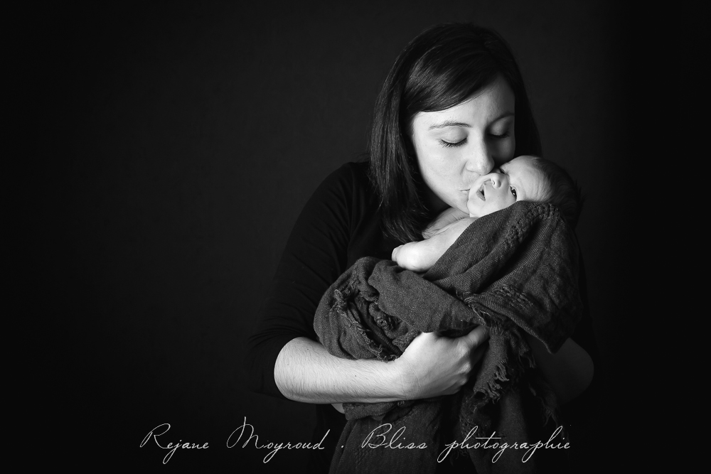 Bliss-photographe-nourrisson-grossesse-famille-Montpellier-studio-original-Hérault-castries-Mauguio-Lunel-Vieil-Lansargues-Baillargues-Castelnau-le-Lez-candillargues-bébés-13