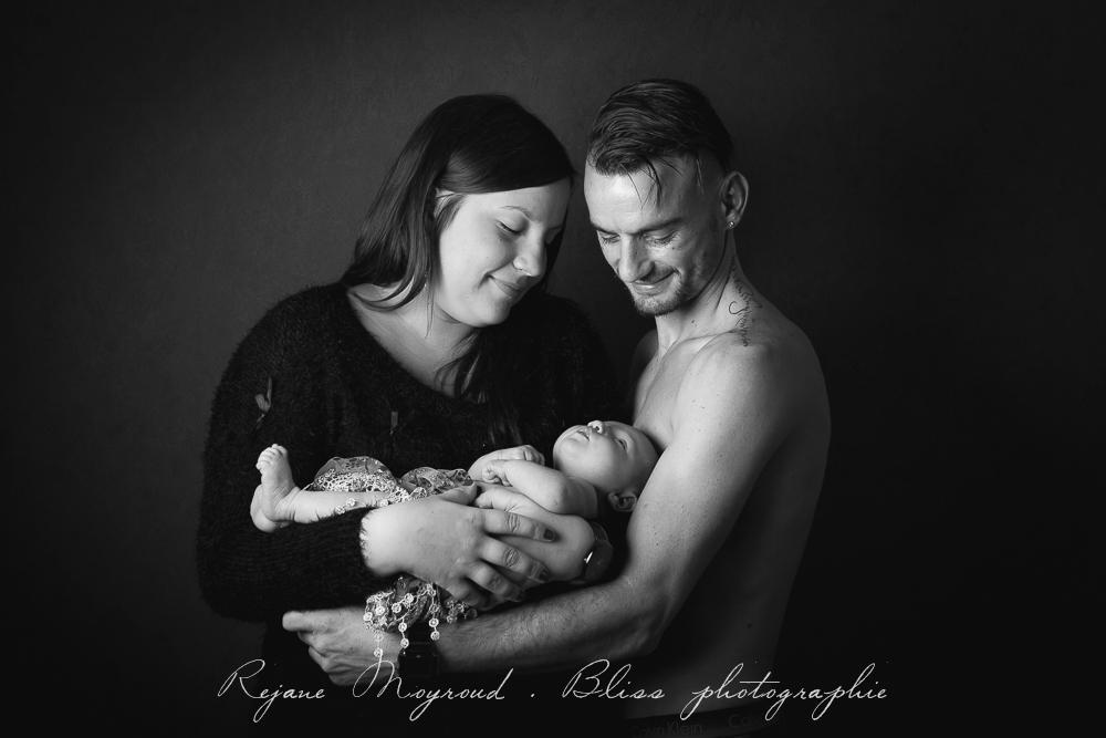 Bliss-photographe-nourrisson-grossesse-famille-Montpellier-studio-original-Hérault-castries-Mauguio-Lunel-Vieil-Lansargues-Baillargues-Castelnau-le-Lez-candillargues-bébés-23