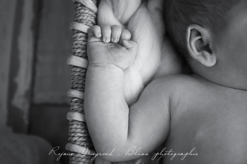 Bliss-photographe-nourrisson-grossesse-famille-Montpellier-studio-original-Hérault-castries-Mauguio-Lunel-Vieil-Lansargues-Baillargues-Castelnau-le-Lez-candillargues-bébés-32