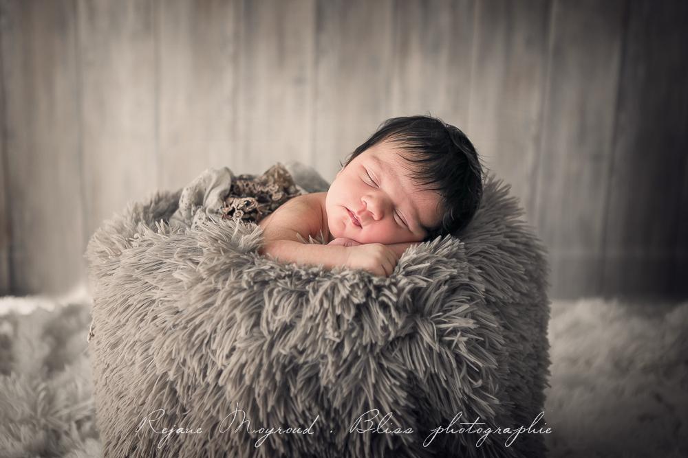 Bliss-photographe-nourrisson-grossesse-famille-Montpellier-studio-original-Hérault-castries-Mauguio-Lunel-Vieil-Lansargues-Baillargues-Castelnau-le-Lez-candillargues-bébés-6