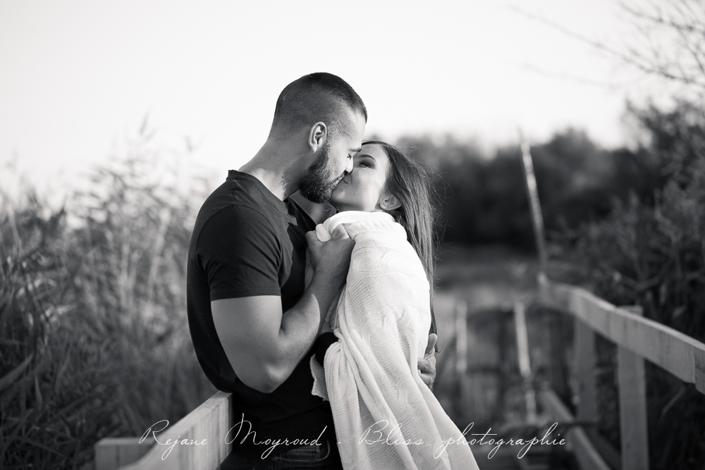 photographe-couple-Montpellier-amour-amoureux-love-session-Hérault-castries-Mauguio-Lunel-Viel-Lansargues-Baillargues-Lattes-Engagement-mariage-naturel-24