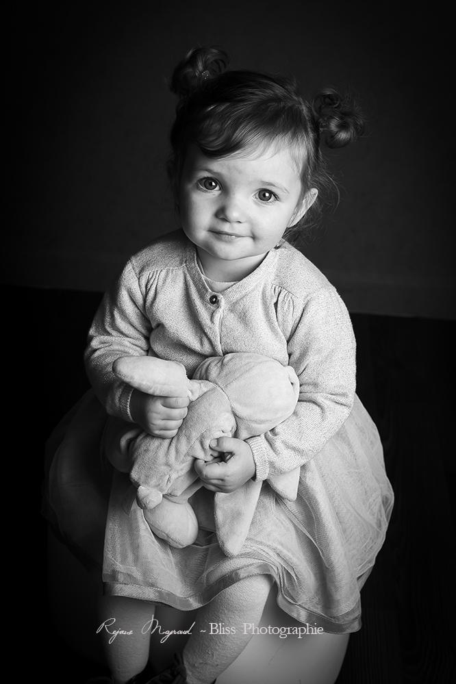 photographe-portraitiste-portrait-enfant-enfance-Montpellier-Hérault-Mauguio-Lansargues-Lunel-Viel-famille-Baillargues-Saint-Aunes-Vendargues