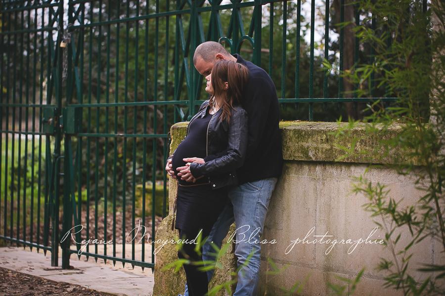 ventre-rond-grossesse-montpellier-photographe-bebe-studio-lunel-enceinte-femme-112