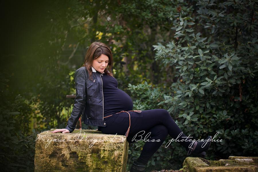 ventre-rond-grossesse-montpellier-photographe-bebe-studio-lunel-enceinte-femme-121